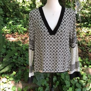 H&M black and white pattern blouse